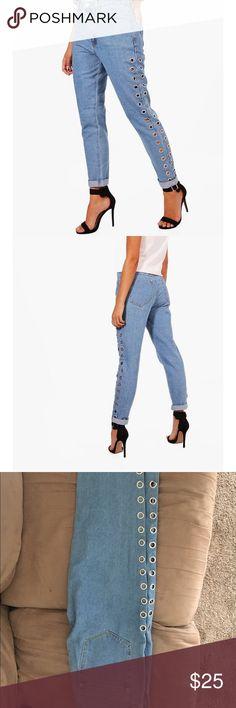 Boohoo Mom Jeans High waist eyelet mom jeans. NWT Boohoo Jeans