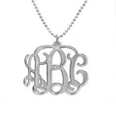 Diese elegante Kette mit Initialen wird aus den Buchstaben Ihres Namens zusammengestellt! Diese Initialenkette ist eines der angesagtesten Stücke auf dem Markt. Das Monogramm hat die Welt der Berühmten und Reichen bereits erobert. Diese Kette ist das perfekte Geschenk für alle Anlässe und kommt mit einer Kugelkette aus Silber. Auf was warten Sie noch?Diese Namenskette ist auch in 750er vergoldetem 925er Silber und in 750er Roségold 925er Silber erhältlich.Vervollständigen Sie Ihr Set mit…