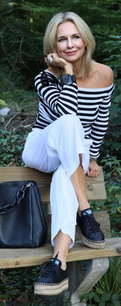 Casual Chic, Casual Wear, Mode Statements, Older Beauty, Clothes For Women Over 50, Capsule Outfits, Androgynous Fashion, Advanced Style, Sassy