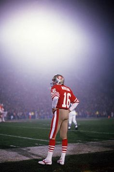 49ers Pictures, Football Pictures, Sports Photos, 49ers Players, Nfl Football Players, Nfl 49ers, Forty Niners, Football Conference, National Football League