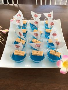 29 New Ideas Birthday Cupcakes Party Ideas Moana Birthday Party Theme, Moana Themed Party, Moana Party, 6th Birthday Parties, Luau Party, 3rd Birthday, Moana Birthday Cakes, Birthday Ideas, Festa Moana Baby