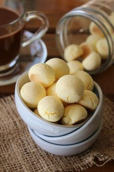 Bollitos de Maicena The Simple Life® is part of Biscuit cookies - Gourmet Recipes, Gluten Free Recipes, Sweet Recipes, Cookie Recipes, Dessert Recipes, Healthy Recipes, Pan Dulce, Pastry And Bakery, Biscuit Cookies