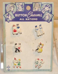 ButtonArtMuseum.com -  Vintage Plastic All Nations Novelty Buttons on Original Card 1930S