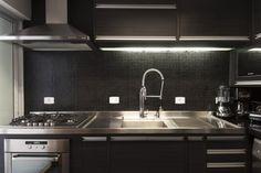 Cozinha com pastilha preto