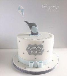 Grey and blue spot elephant with kite christening cake - Doğum günü Elephant Baby Shower Cake, Elephant Cakes, Baby Shower Cakes For Boys, Baby Boy Cakes, Baby Boy Christening Cake, Baby Boy Birthday Cake, First Birthday Cakes, Gateau Baby Shower, Sugar Cake