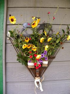 Garden Rake Wreath~ Repurpose and old rake into a wreath