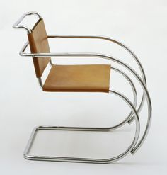 Estler-Regale G. Chrome-plated steel tubing and leather. Gift of Edgar Kaufmann, Jr. © 2019 Artists Rights Society (ARS), New York / VG Bild-Kunst, Bonn. Architecture and Design Modern Chairs, Modern Furniture, Furniture Design, Classic Furniture, Cantilever Chair, Ludwig Mies Van Der Rohe, Interior And Exterior, Interior Design, Cool Chairs