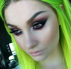 Idée Couleur & Coiffure Femme 2017/ 2018 : Neon Green Hair #Hairstyle #Colorful_Hair #Dyed_Hair