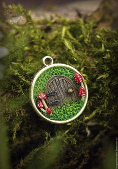 Купить Кулон Garden Gnome - ярко-красный, волшебная дверь, кулон с дверкой, вход, дверь