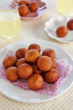 ホットケーキミックスと白玉粉で作るもちもちのドーナツです。 お好みで仕上げに粉糖やきな粉をまぶして召し上がってください。