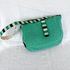 Borsa bicolore verde e nera con tracolla a righe: Esmeralda : Borse a tracolla di bags-dream-team