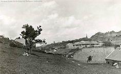 1935. Tabán, látkép a Gellért-hegy felől, jobbra a Várhegy Budapest Hungary, Tao, Old Photos, Landscapes, History, Painting, Vintage, Old Pictures, Paisajes