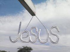 Jesús Horse Shoe signo Colgantes cadena por LawsonsMetalCreation