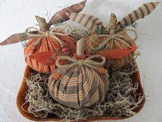 Bowl Fillers Ornies Tucks Primitive by HiddenLakeHomespuns on Etsy, $10.50