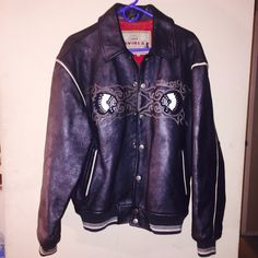 Vintage leather Avirex Jacket This is a vintage Avirex Jacket worn a few times but in great condition. Please feel free to ask any questions. ALL CLOTHING is either NWT or Preloved has been washed and sanitized and kept in a 🐾 pet free and 💨 smoke free home.   Too expensive gonna break the bank. Than add me to a 🛍 bundle deal or use the Offer 🖲 Button.    🚫NO LOW BALLING 🚫 Reasonable offers will be accepted, I do love negotiating. But Please Do Not 🚫🙅🏽 offer 40% below the asking…