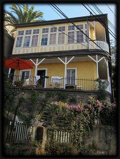 Typical Valparaiso House by peregrine blue, via Flickr