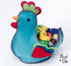 Páscoa com galinha surpresa em feltro Felt Crafts, Easter Crafts, Christmas Crafts, Diy Crafts, Chocolate, Sewing Projects, Projects To Try, Bunny Party, Softies