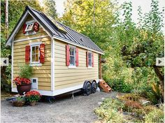 Learn To Build a Tiny House or Cabin – Join a Tumbleweed Workshop Near You!