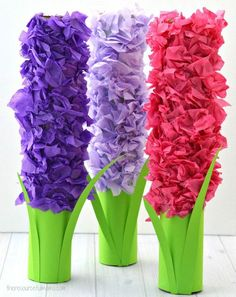 Transform paper towel rolls and tissue paper into a lovely hyacinth flower craft kids can make this spring. Transform paper towel rolls and tissue paper into a lovely hyacinth flower craft kids can make this spring. Flower Crafts Kids, Spring Crafts For Kids, Paper Crafts For Kids, Toddler Crafts, Easter Crafts, Diy For Kids, Craft Kids, May Craft, Spring Flowers Art For Kids