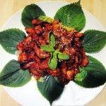 Spicy stir-fried pork  Dwaejigogi-bokkeum 돼지고기볶음