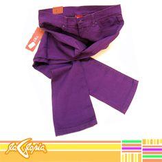 Para un #look #casual y cómodo, estos #jeans son la combinación perfecta #dama #juvenil 2do.Piso