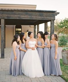 Beautiful bride and her bridesmaids, outside the Piazza on the Green!
