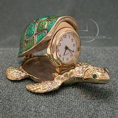 Amphibious Car Meet in Switzerland Turtle Time, Tiny Turtle, Raku Pottery, Tortoise Terrarium, Unusual Clocks, Turtle Jewelry, Large Clock, Tortoises, Stylish