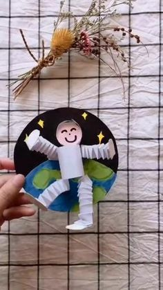 Diy Crafts For Kids Easy, Paper Crafts For Kids, Space Crafts, Craft Activities For Kids, Diy Arts And Crafts, Creative Crafts, Fun Crafts, Art Drawings For Kids, Drawing For Kids