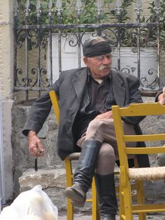 A traditional Cretan outfit. Crete Greece, Athens Greece, Albania, Zorba The Greek, Crete Island, Village People, Us Sailing, Kingdom Of Great Britain, Stunning View