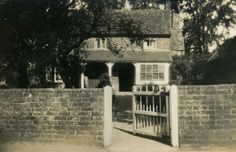 The old Tuck Shop which is now Mason's Cottage on Horseshoe Lane