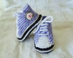 Petites baskets mauve en laine pour bébé : Mode Bébé par bebe-chou-by-estefan