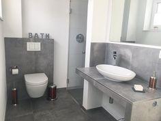 """Ich wollte Euch noch fix mein Schnäppchen aus dem Depot Outlet zeigen...""""BATH""""-Buchstaben in Betonoptik  Passt perfekt ins Gäste-Örtchen... #badezimmer#gästewc#gästebadezimmer#villeroyboch#betonoptik#fliesen#betonoptikfliesen#grohe#modern#architecture#architektur#inneneinrichtung#innenarchitektur#einrichtung#interior#design#interiordesign#deko#dekoration#haus#hausbau#bauhaus#neubau#clean#cleanliving#minimalism#minimalistisch#gradlinig"""