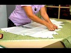 COMO HACER UNA CENEFA PARA CORTINAS PARTE 01 - YouTube Swag Curtains, Double Rod Curtains, Luxury Curtains, No Sew Curtains, Curtain Styles, Curtain Designs, Shabby Chic Frames, Shabby Chic Office, Fold Bed Sheets