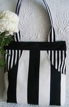 love this color/pattern combination...I'd like to put a mickey mouse silhouette on it too...  tote bag pattern
