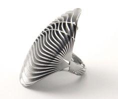Ring: Silk 24, 2011 (Stellite) |3D Print : accessories& jewelry . Accessoires& Schmuck . accessoires & bijoux |Design/Photo: Stefania Lucchetta |