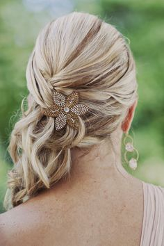 Ponytail updo, side ponytail wedding, side ponytails, hair to the side wedd Bride Hairstyles, Pretty Hairstyles, Chic Hairstyles, Wedding Hair And Makeup, Hair Makeup, Side Ponytail Wedding, Wedding Updo, Bridal Hair Side Swept, Bridesmaid Hair Updo