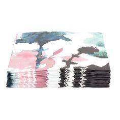 Servett ASTRID. 30-pack. 30-pack servetter. 3-lager. Finns i flera färger och mönster. Tillverkade av svanenmärkt papper.