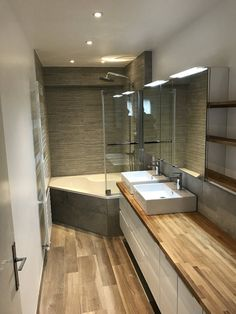 Bathroom with corner bath in Bondues (Lille) Loft Bathroom, Narrow Bathroom, Bathroom Bath, Bathroom Design Layout, Modern Bathroom Design, Corner Bath, Asian Decor, Home Projects, Interior Decorating