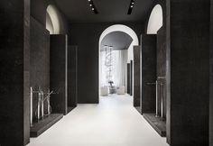 Una veduta dello showroom di Fantini a Brera, il cui concept è stato curato dallo Studio Lissoni Associati