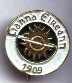 Fianna Eireann Badge Political Issues, Military Uniforms, Patriots, Badges, Ireland, Irish, War, History, Historia