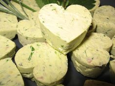 Herb butter with addictiveness; o) - recipe- Kräuterbutter mit Suchtgefahr ;o) – Rezept The perfect herb butter with a risk of addiction; o] recipe with simple step-by-step instructions: peel and dice the onion. Peel garlic and … - Party Finger Foods, Party Snacks, Tasty, Yummy Food, Herb Butter, Food Inspiration, Love Food, Carne, Food Porn