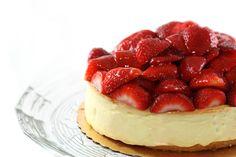 Cheesecake fácil y rápido, te enamorarás de su gran sabor y elegancia. Pruébalo y demuestra cuánto los quieres.