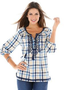 Blusa mujer manga 3/4 cuadros con bordado y guipur