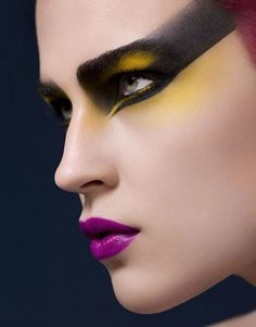 Punk Beauty - Photography - Josh van Gelder - Make-up Lisa Eldridge @ Premier - Hair Keiichiro Hirano @ DWM - Model - Jana Knauerova @ Models 1 80s Makeup, Love Makeup, Makeup Inspo, Makeup Art, Makeup Inspiration, Beauty Makeup, Hair Makeup, Makeup Eyes, Extreme Makeup