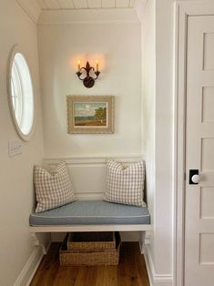 Living Style, New England Homes, New England Decor, Interior Decorating, Interior Design, Decorating Ideas, Classic Interior, Traditional House, Vintage Home Decor