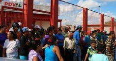 Habitantes de la comunidad de Buena Vista (sector de Anaco donde residen más de 6 mil personas) protestaron ayer a tempranas horas de la mañana frente a Pd