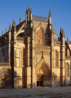 Batalha Monastery, Portugal - in memory of the battles for the independence, against the spaniards. Gothic Architecture, Ancient Architecture, Amazing Architecture, Spain And Portugal, Portugal Travel, Sintra Portugal, Voyage Europe, Cathedral Church, Chapelle