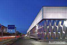 Bauhaus Store with Drive-In, Kurfürstendamm Berlin | Germany | Müller Reimann Architekten, Berlin | Photo: Stefan Müller | ALUCOBOND® plus Brillant Metallic