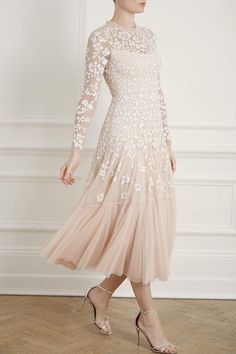 Discover embellished, embroidered & lace dresses at Needle & Thread, fit for every occasion. Shop embroidered floral gowns, sequin embellished dresses and more. Luxury Wedding Dress, Sexy Wedding Dresses, Bridal Dresses, Lace Dresses, Sequin Midi Dress, Sequin Gown, Embellished Dress, Bridal Collection, Mantel
