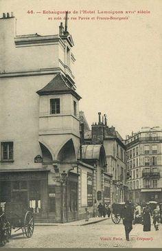 L'échauguette de l'Hôtel Lamoignon (17e siècle) au coin de la rue Pavée et de la rue des Francs-Bourgeois, vers 1900.